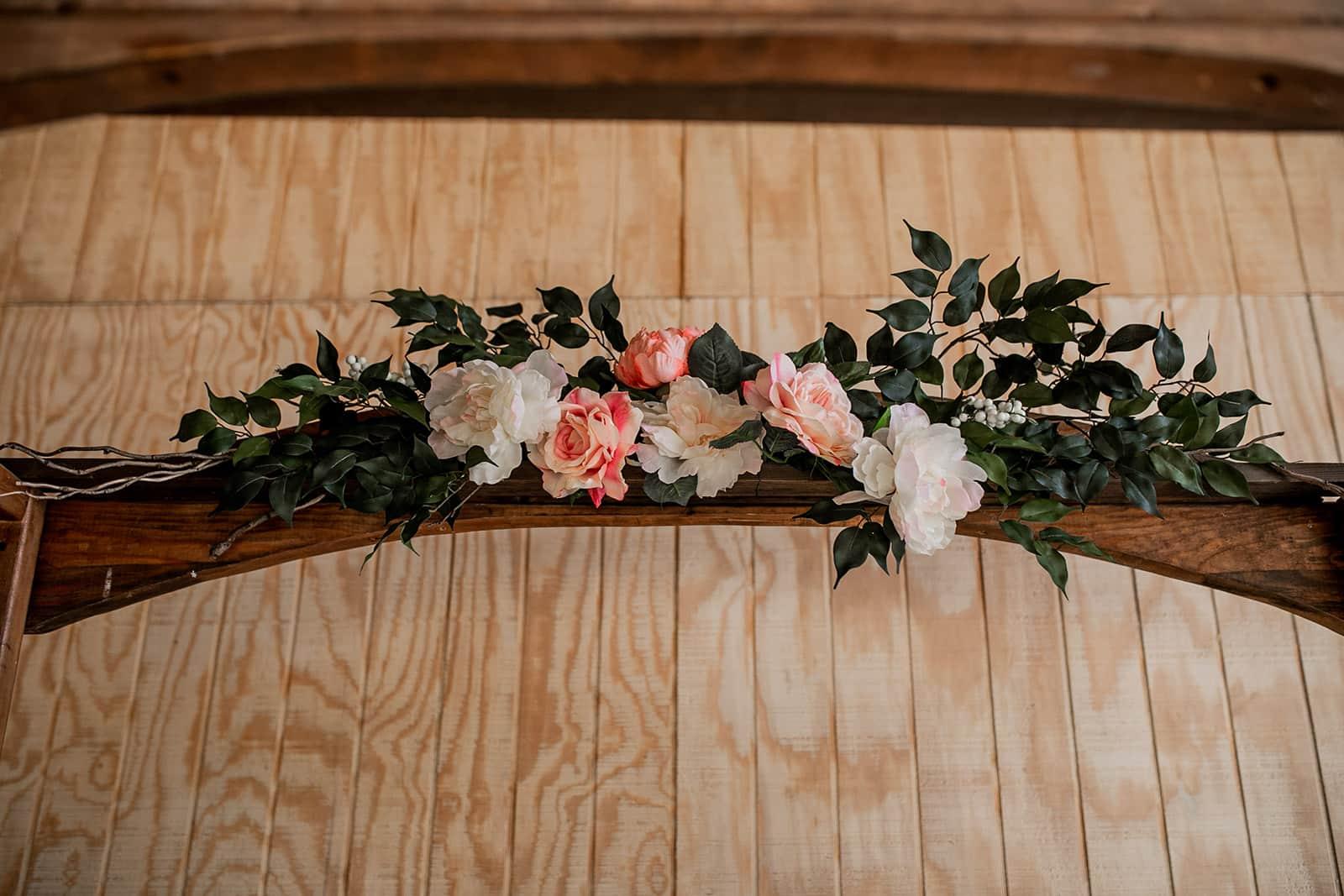 300 Floral Linens