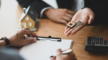 Etape 3 - Mandat de vente pour agent immobilier et mandataire
