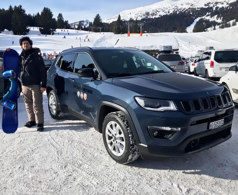 Test-Drive con la nuova Jeep Compass 4xe ibrida sulle piste di Davos - City Garage Wettingen e Tuttoitalia