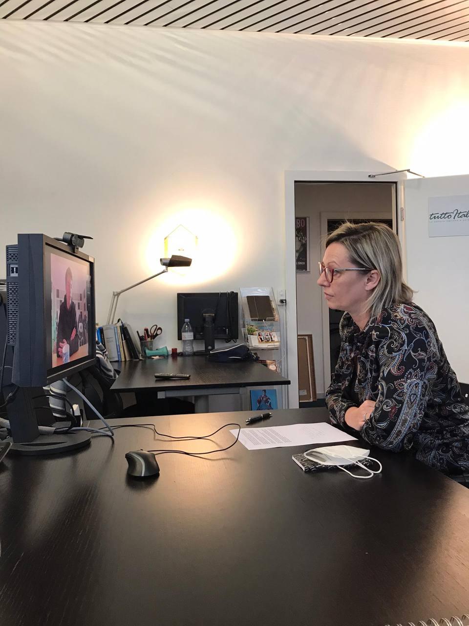 Gloria Bressan dans une interview avec Benji B3N pour son nouvel album CALIFORNIA