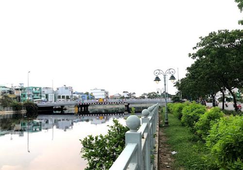 Công viên bờ sông, Nguyễn Văn Luông, Phường 10, Quận 6