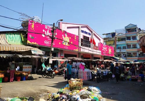 Chợ Bình Tiên, 18 Phạm Phú Thứ, Phường 4, Quận 6, TPHCM
