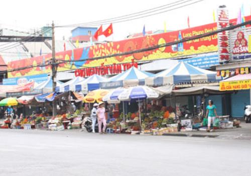 Chợ Nguyễn Văn Trỗi: Lê Văn Sỹ, Phường 13, Quận 3, TPHCM