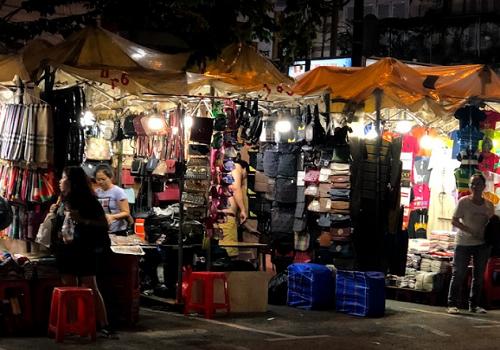 Phan Boi Chau Night Market - 32-30, 36-34-32-30 Đường Phan Bội Châu, Phường Bến Thành, Quận 1