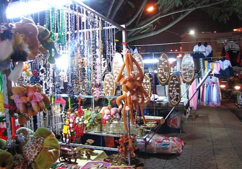 Chợ sỉ trang sức phụ kiện Sài Gòn - 123 Đường Lý Chiêu Hoàng, Phường 10, Quận 6