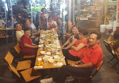Chợ ăn uống khu Chung cư Ngô Gia Tự - 29 Hoà Hảo, Phường 3, Quận 10