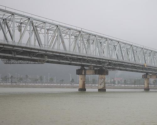 Cầu Bến Thủy, đ Nguyễn Du, Bến Thủy, Thành phố Vinh, Nghệ An