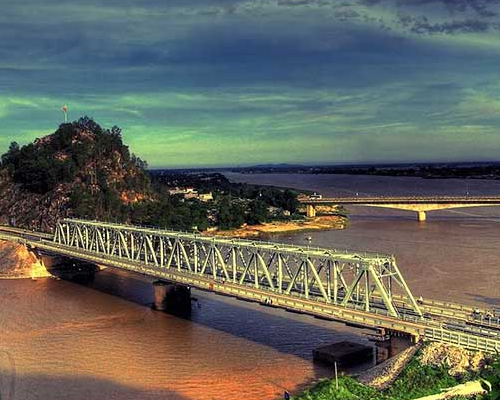 Cầu Hàm Rồng, TT. Tào Xuyên, Hoằng Hoá, Thanh Hoá