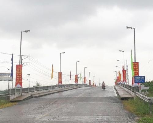 Cầu Kênh Xáng, Đ Dương Bá Trạc, Phường 1, Quận  8, TPHCM
