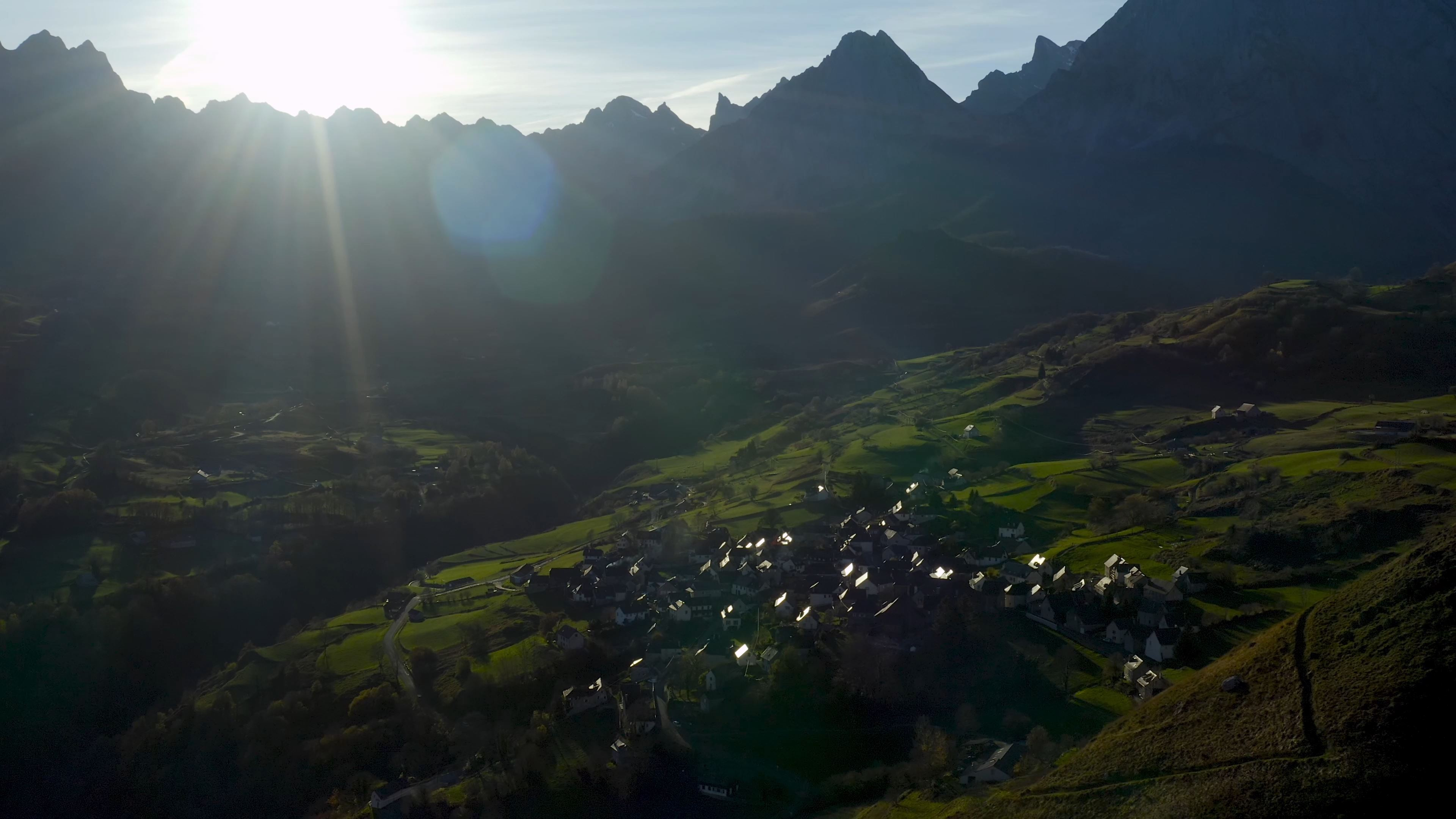 LESCUN - Vidéo Toursime