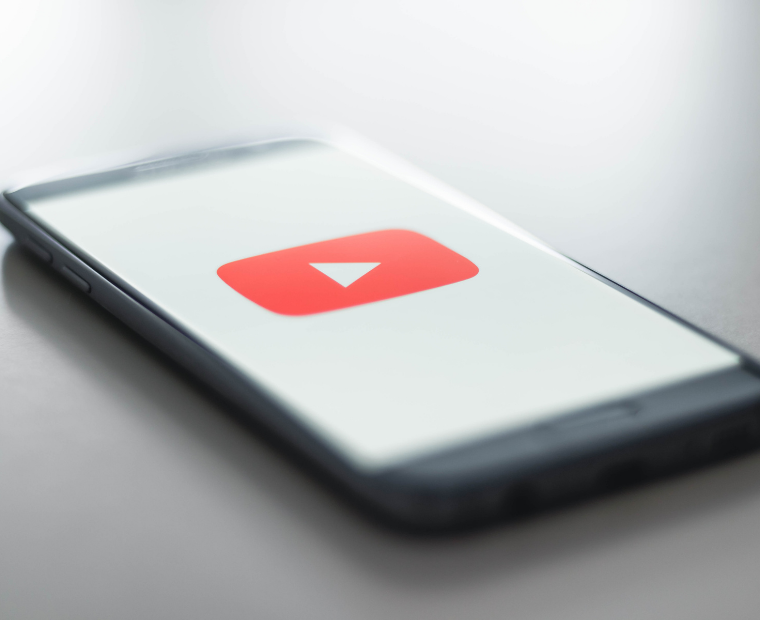 E aí, já está dominando a arte de postagens em até 1 minuto via celular no YouTube Shorts? Vem com a gente que é sucesso!