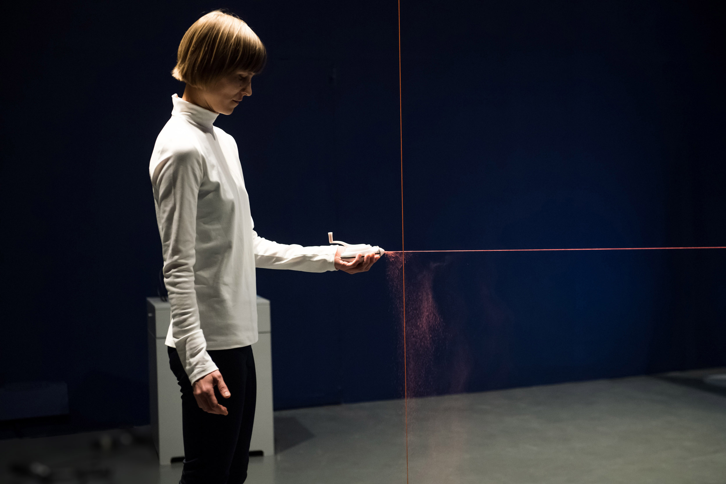 Datum is a dance performance that explores our conscious spatial awareness versus our empirical understanding of space using tools. The performance was a collaboration with dance artists Siobhan Davis and Helka Kaski and toured a number of venues throughout the UK.