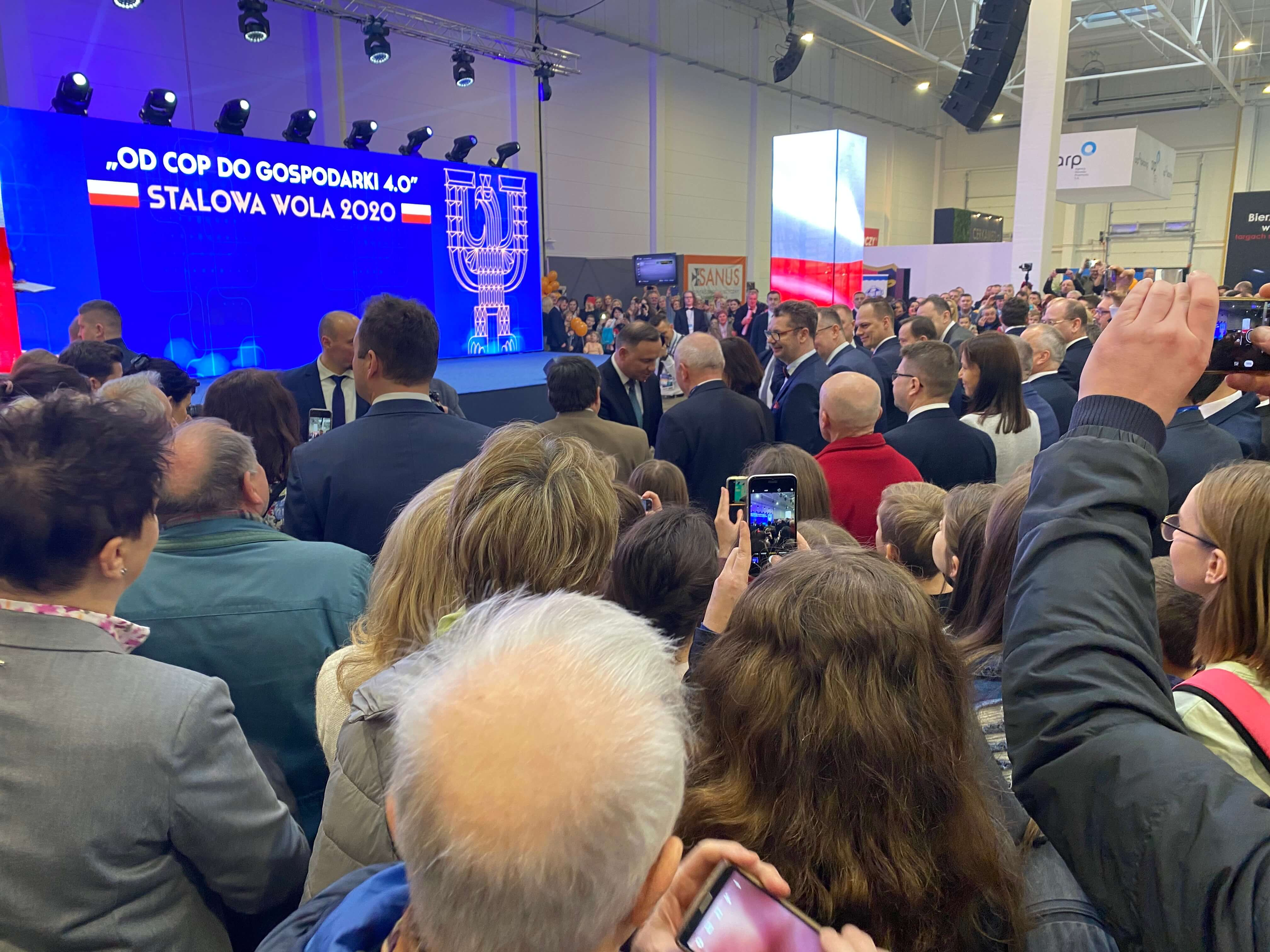 People gathering around Polish president Andrzej Duda on the Polish Economic Exhibition.