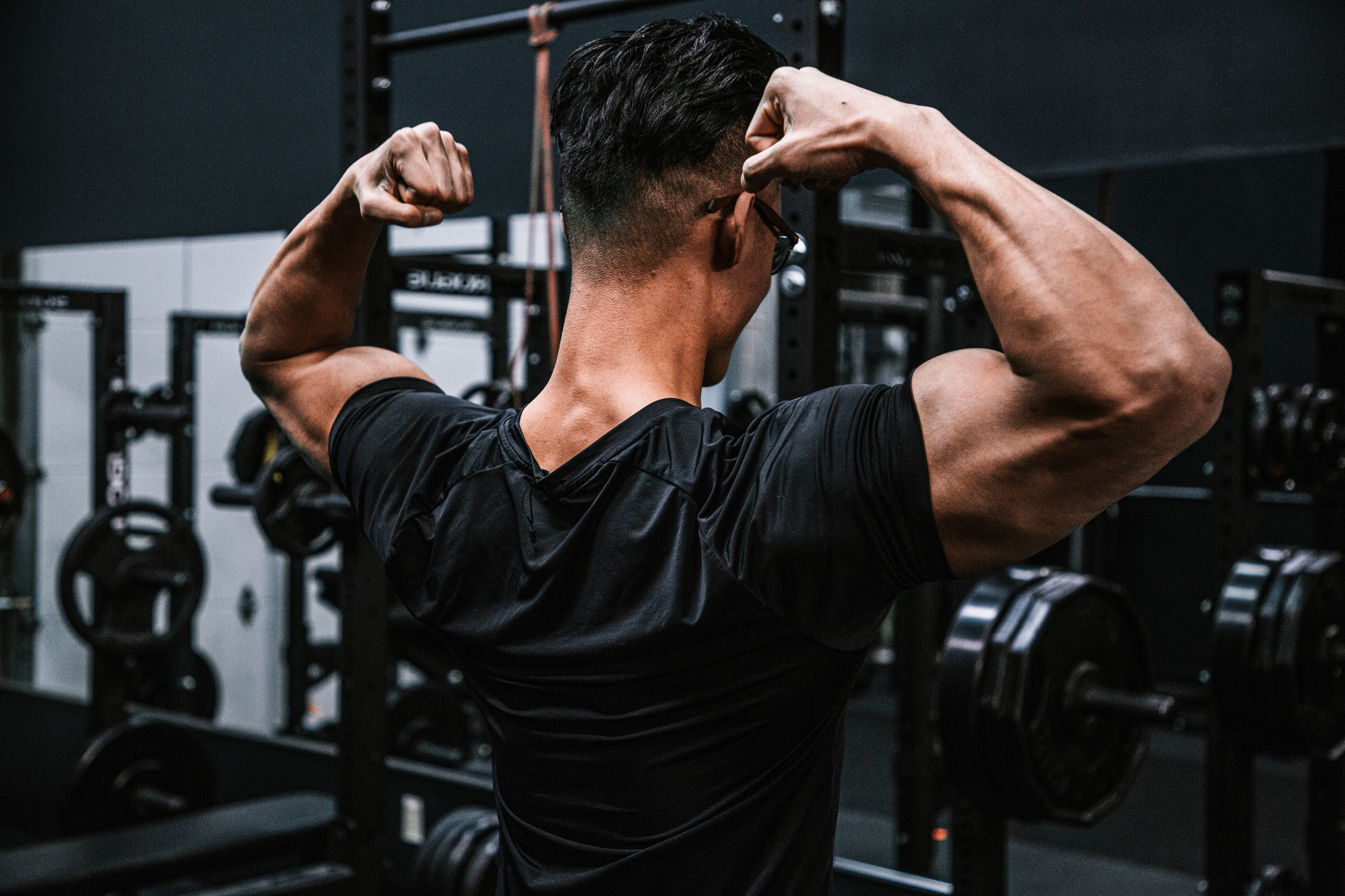 If you are looking for a properly structured training routine that builds strength and muscle, keep on reading. Push, pull, Legs is one of the most popular training routines that is used by professional athletes and casual gym goers alike. In this post we will be taking an in depth look at Ken's version of push pull legs.
