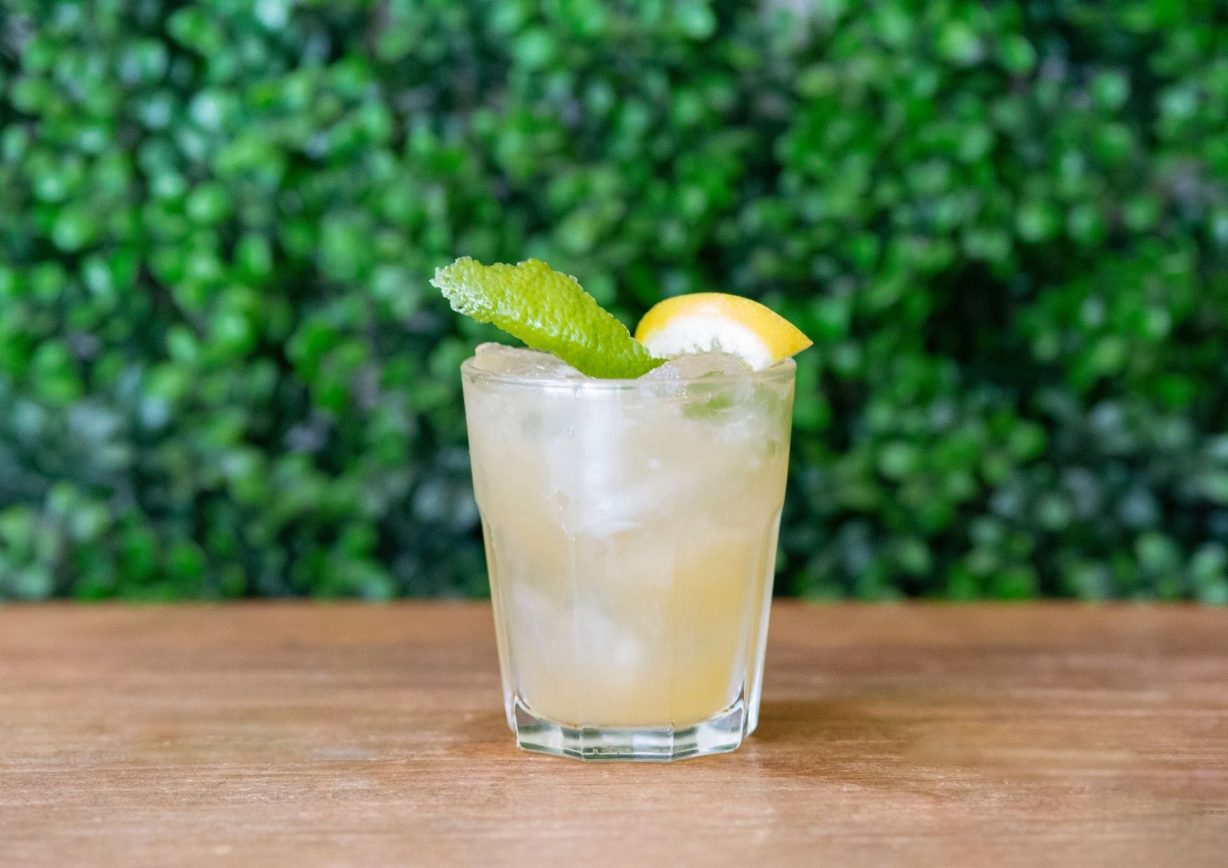 Cocktail Guayabo Sour - bar barcelona - cócteles barcelona - cocktail barcelona