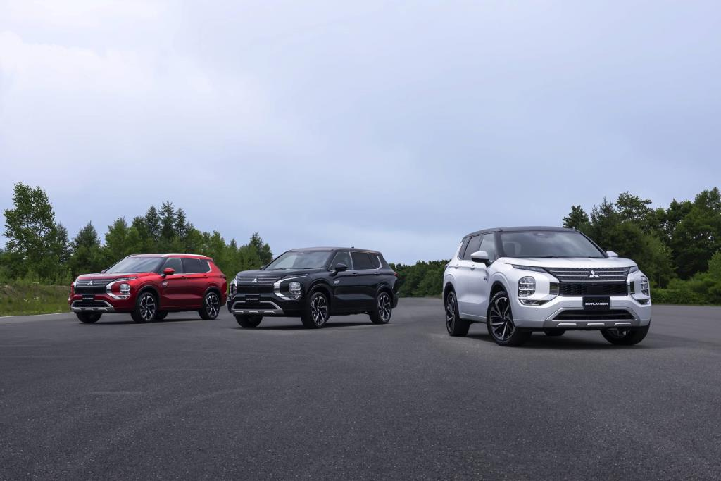 Mitsubishi Motors Reveals the Design of the All-New Outlander PHEV Model...