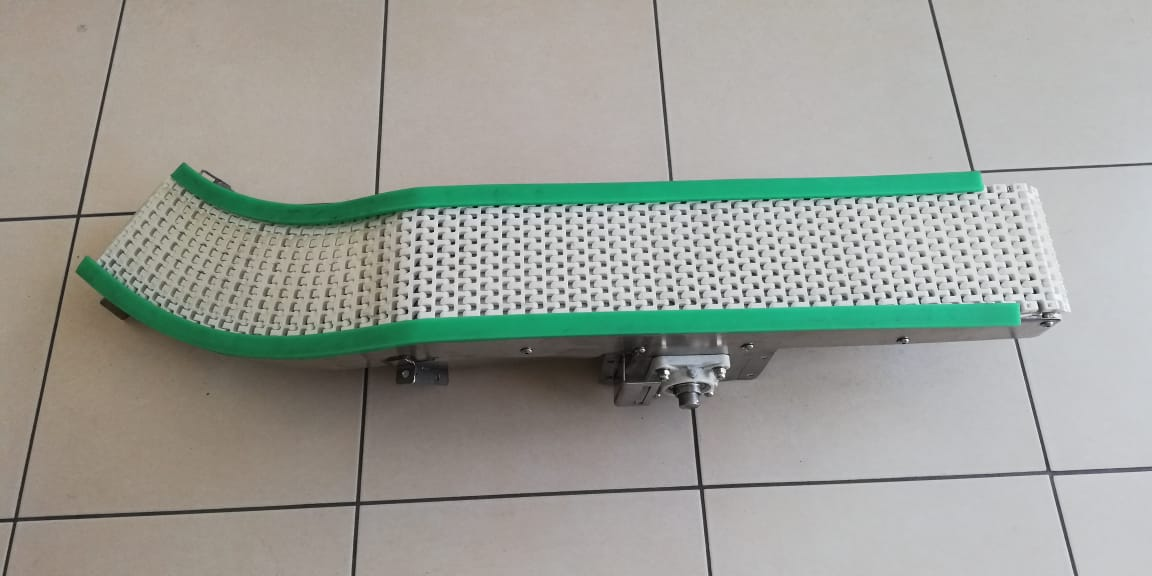 Banda transportadora industrial para resbaladero.