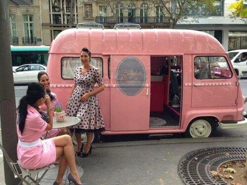 07_manicures-for-Parisians2.jpg