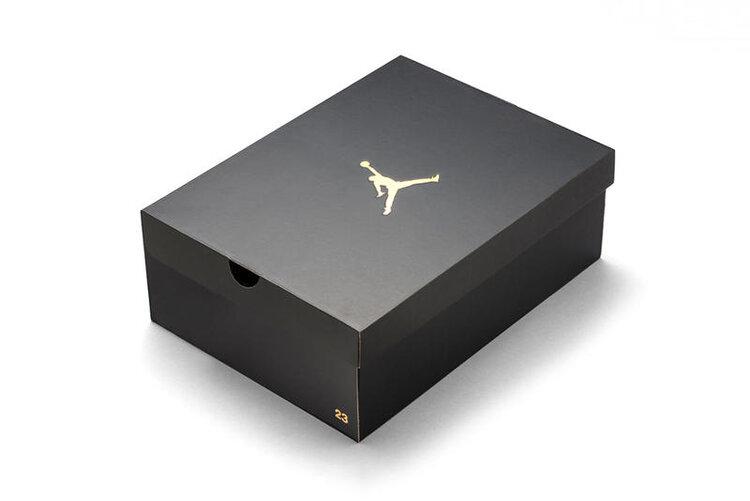 https___hypebeast.com_image_2014_12_new-air-jordan-gold-trimmed-shoebox-paper-1.jpg