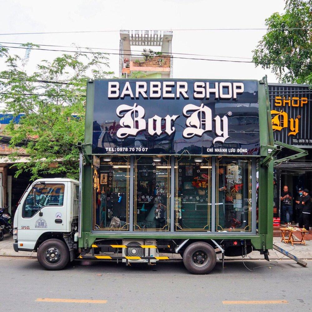 16-Bar-Dy-Barbershop-1-1024x1024.jpg