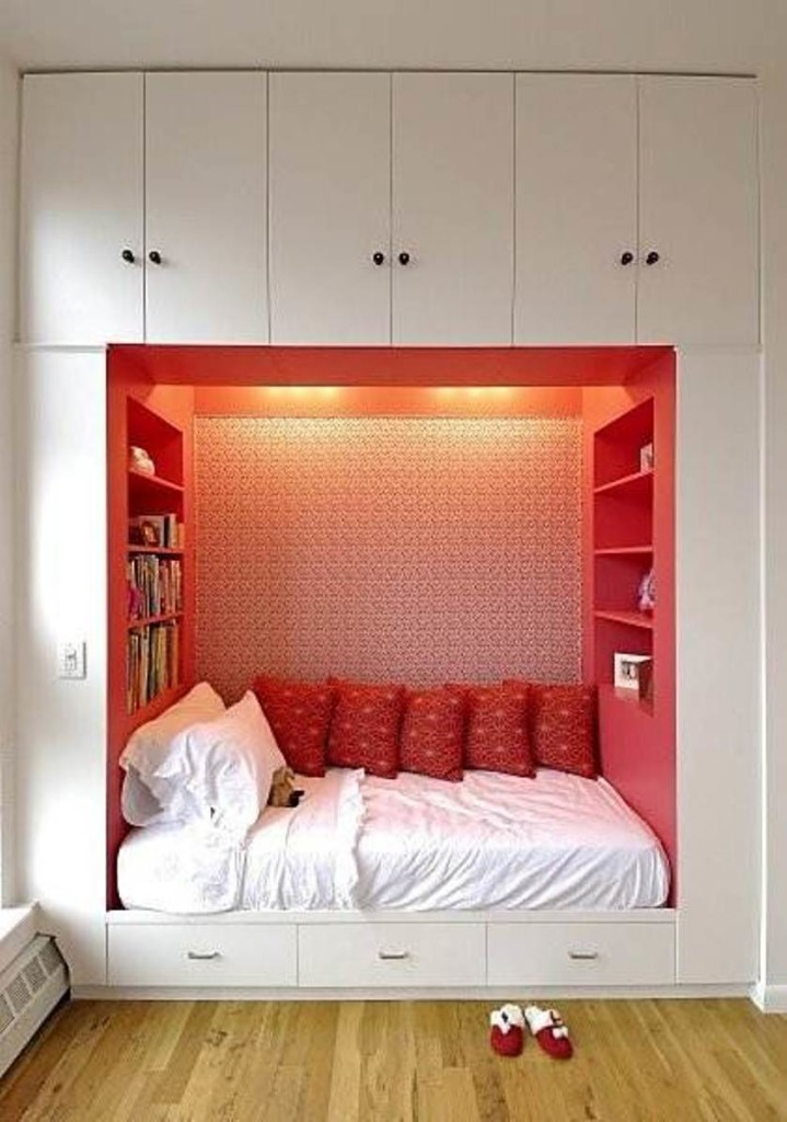 awesome-storage-ideas-for-small-bedrooms