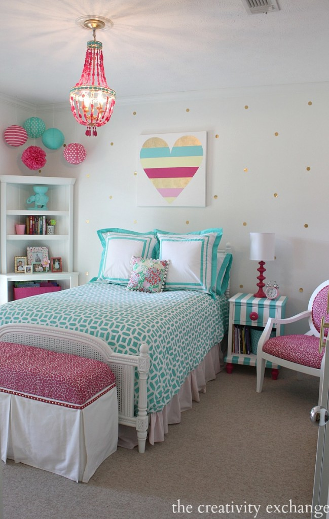 Bright-and-bold-girls-bedroom.-A-lot-of-fun-DIY-projects.-The-Creativity-Exchange-649x1024