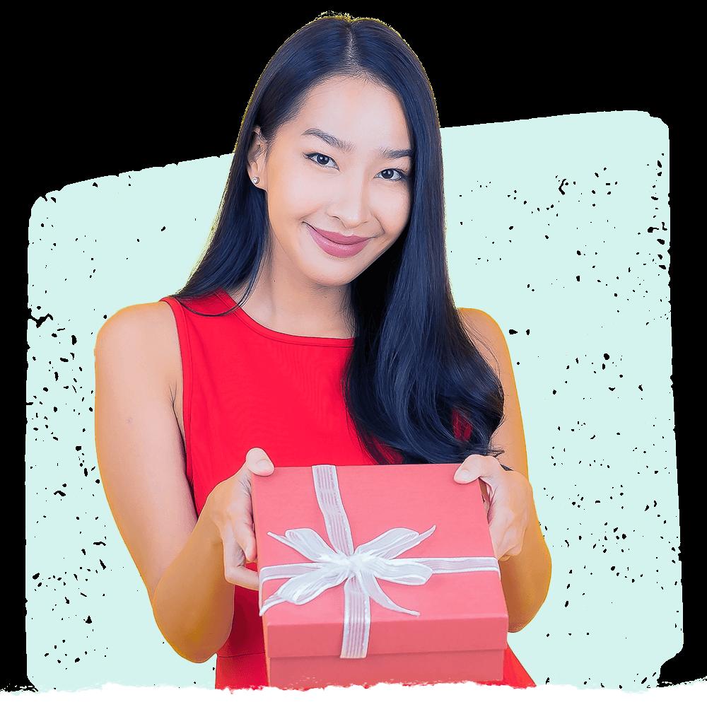 AWoman using Cooleaf's employee gifting programto reward remote & hybrid employees
