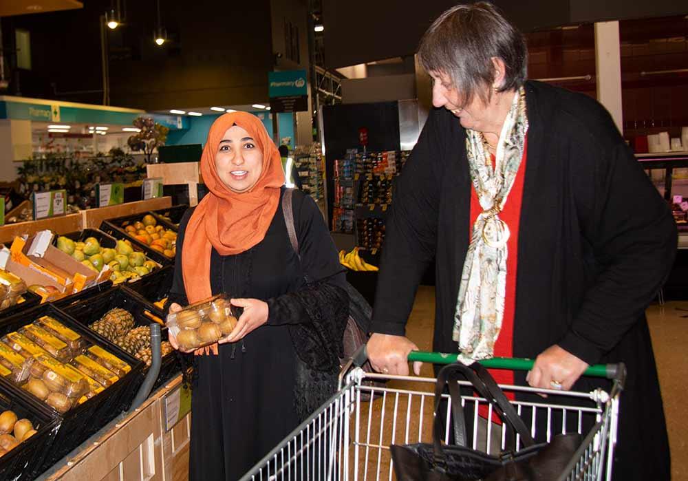 ELP volunteer Trish and her learner Islam