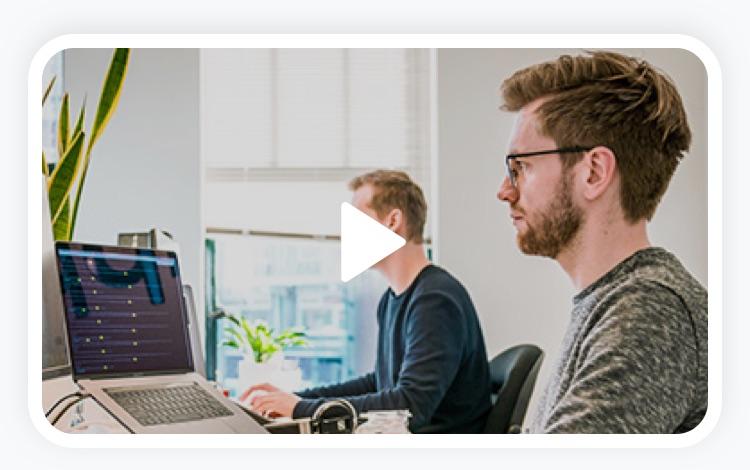 Digitales Mitarbeiterempfehlungsprogramm für Software Entwickler