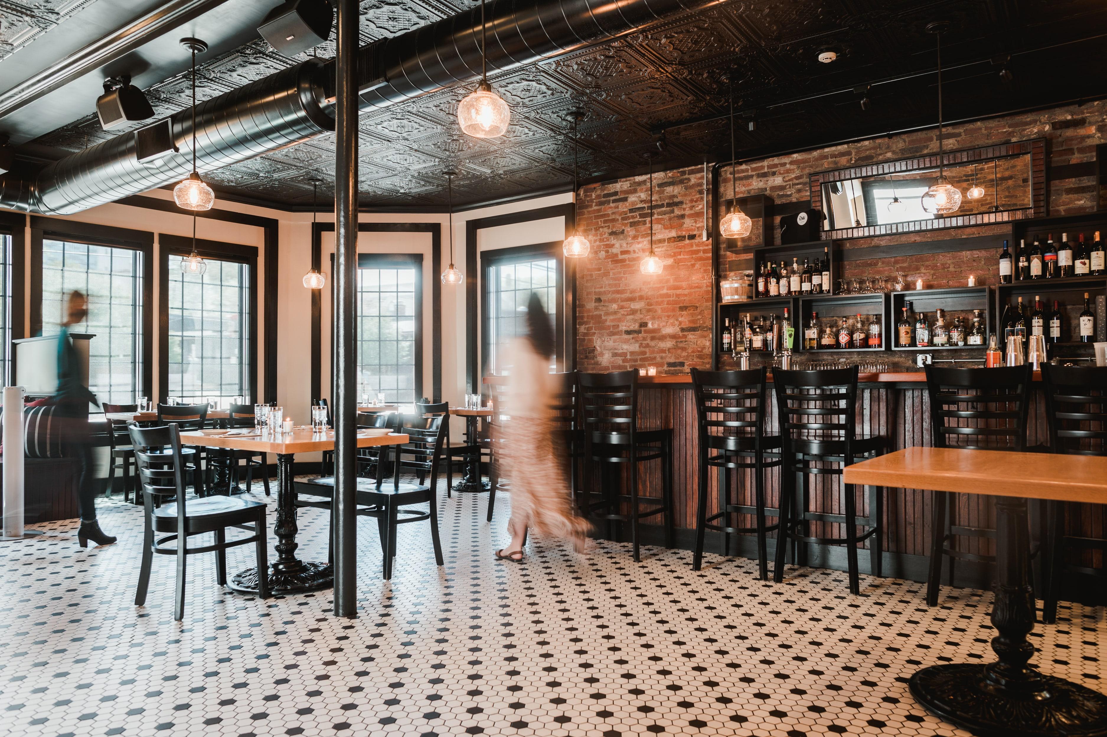 Isa Bistro Lounge