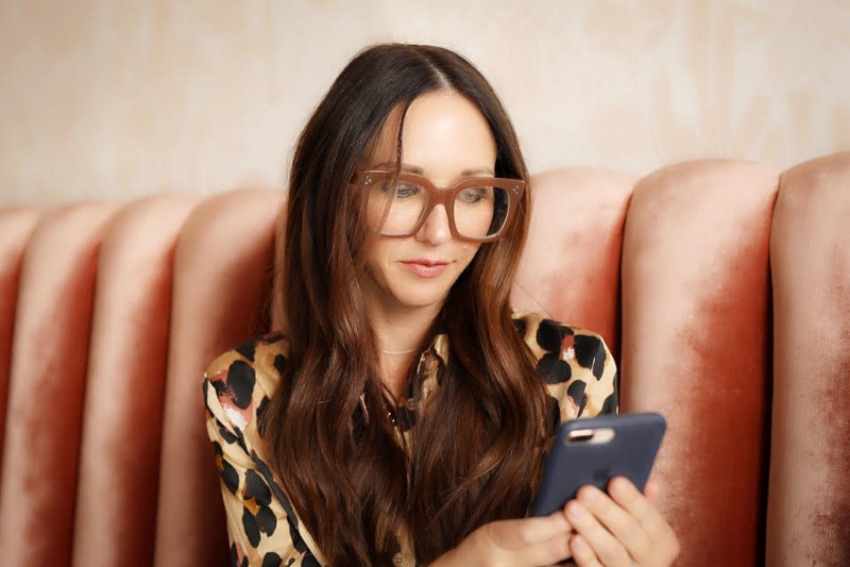 Sarah Evans Is a Digital Strategy Superwoman