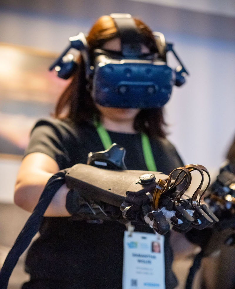 Samantha Wolfe in VR