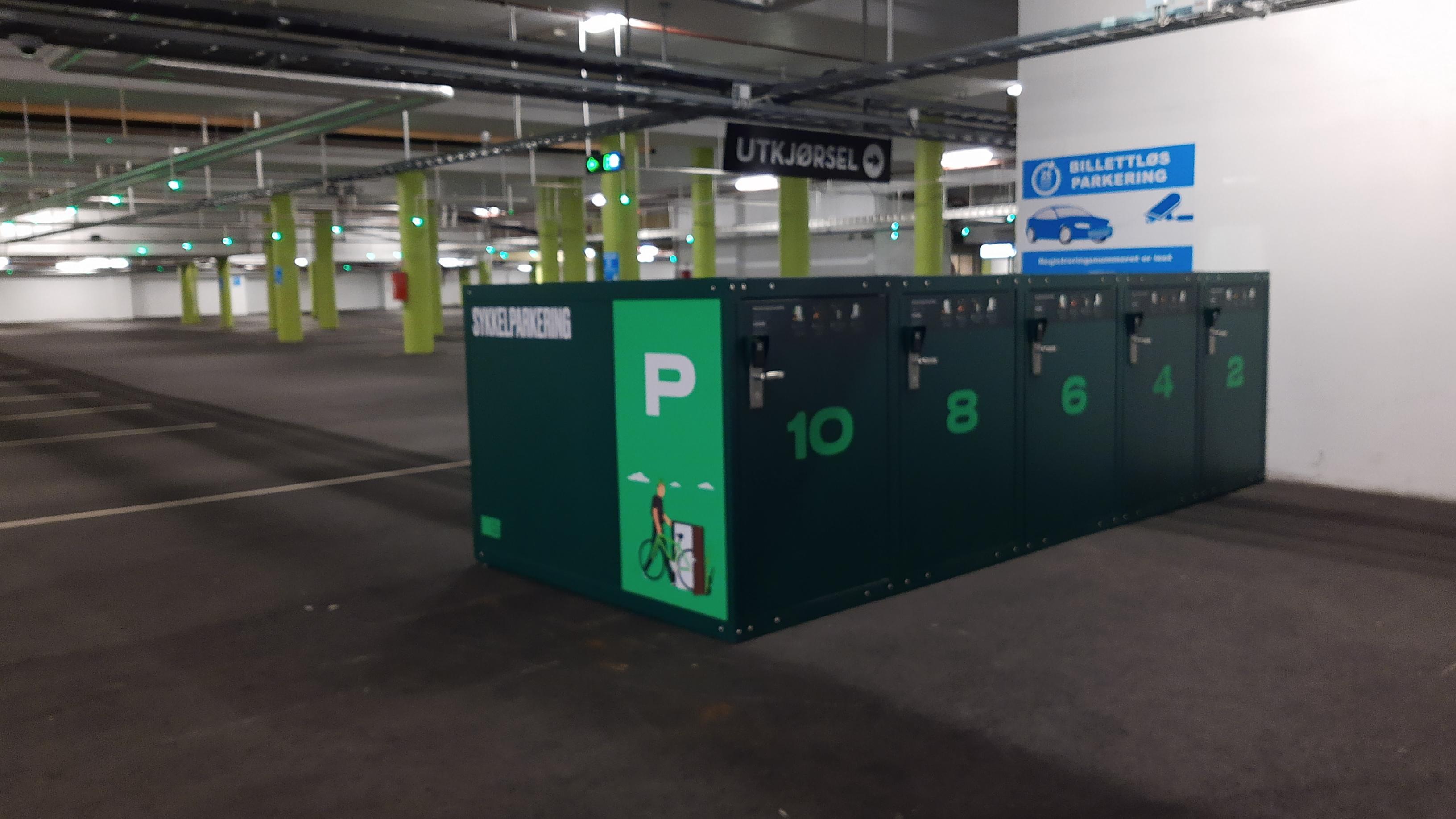 Lagunen Storsenter åpner ti smarte og trygge sykkelparkeringer