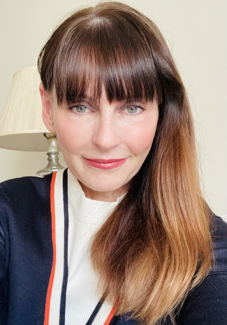 Portrait of Melinda Hunt