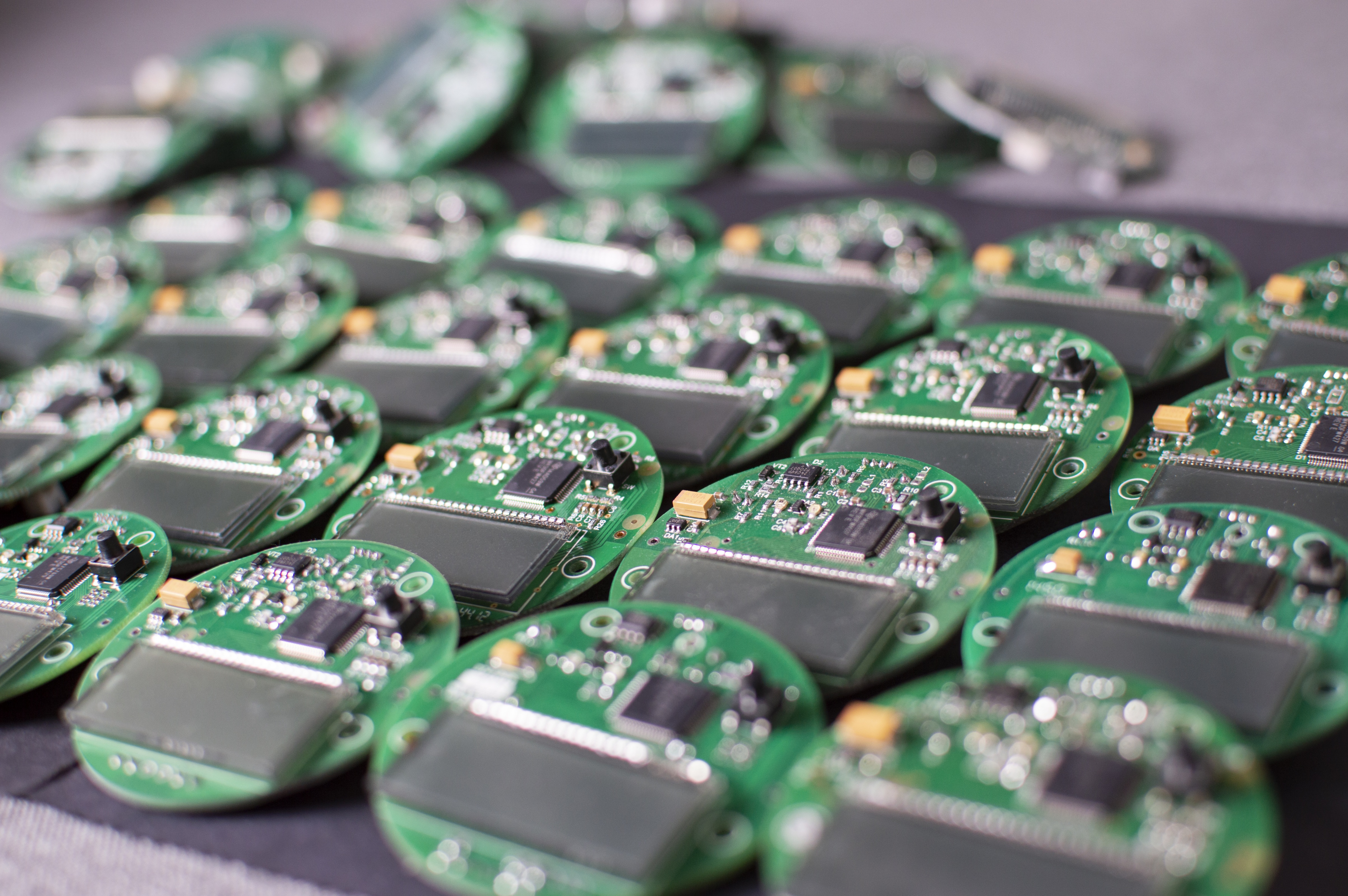 Small IoT Circuit Boards with Chips