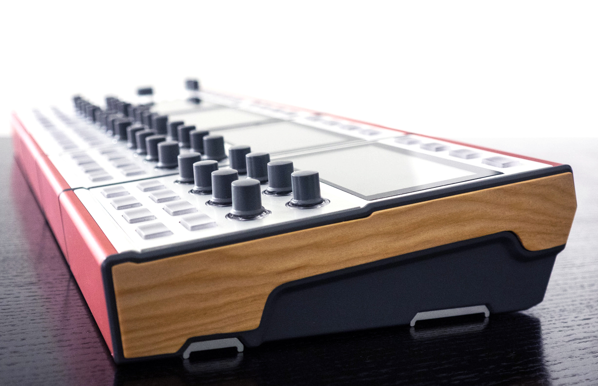 A side view of the DASZ ALEX Expandable Synthesizer in a QUAD formation.
