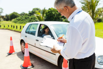 How to Train to Be a Defensive Driving Instructor