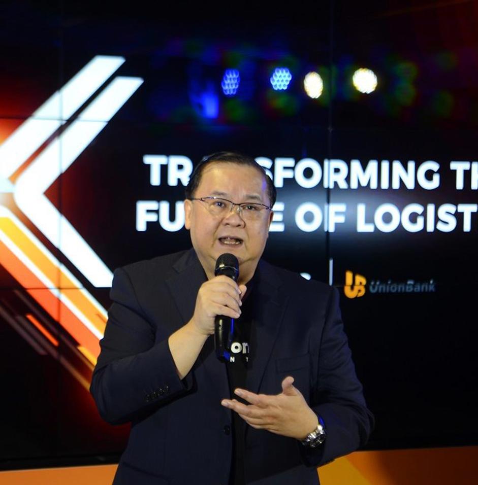 UnionBank CEO, Edwin Bautista, at the XLOG-UnionBank Singing Ceremony