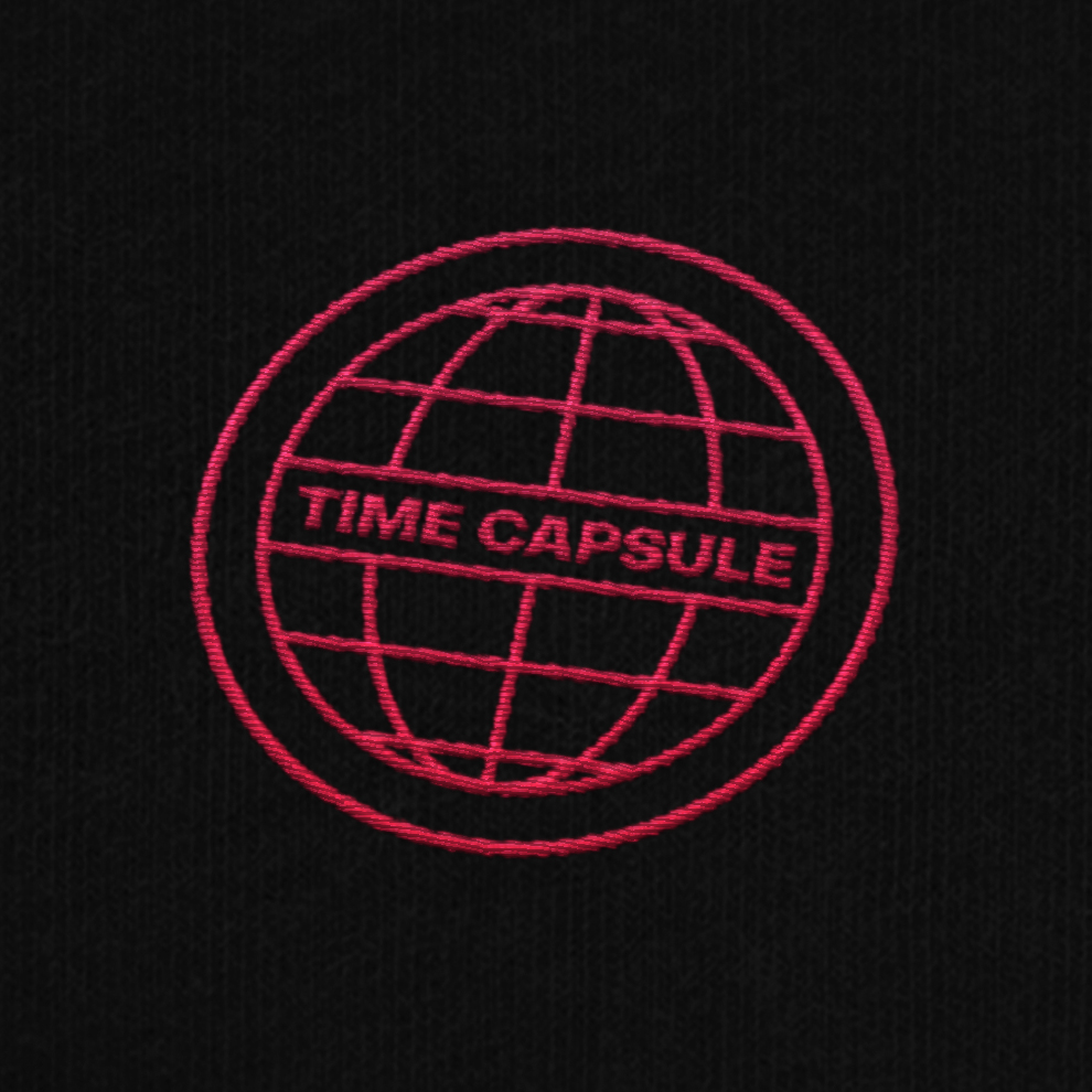 Broderie de l'identité visuelle de la friperie vintage Time Capsule
