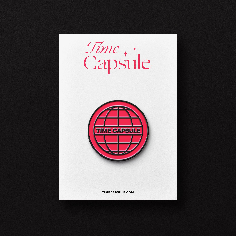 Pins de l'identité visuelle de la friperie vintage Time Capsule