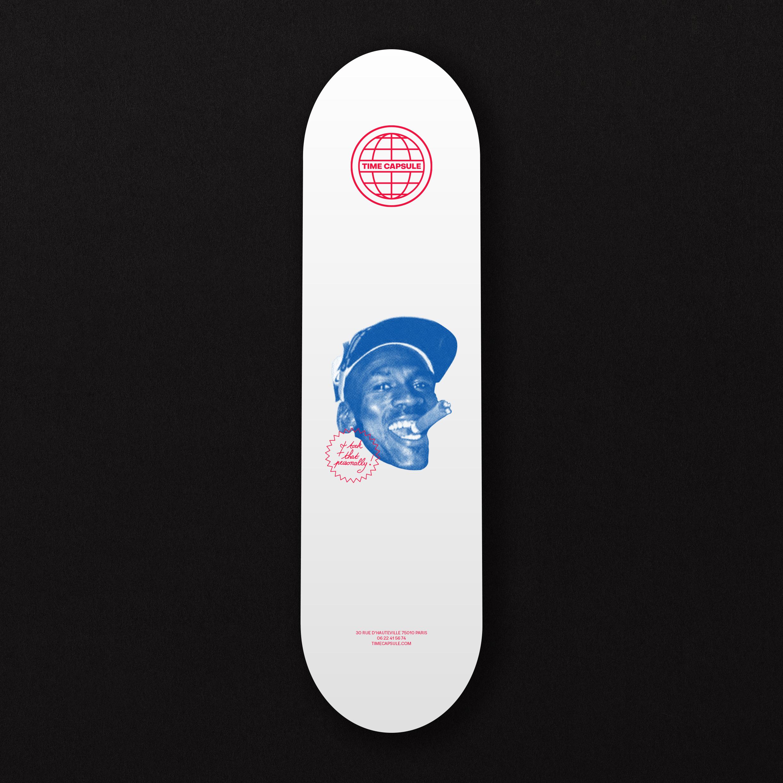 Skate de l'identité visuelle de la friperie vintage Time Capsule