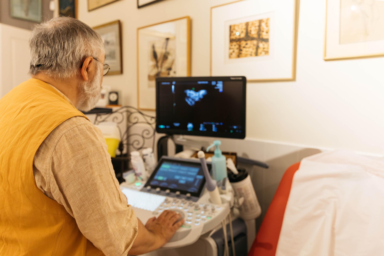Erick Petit radiologue spécialiste endométriose