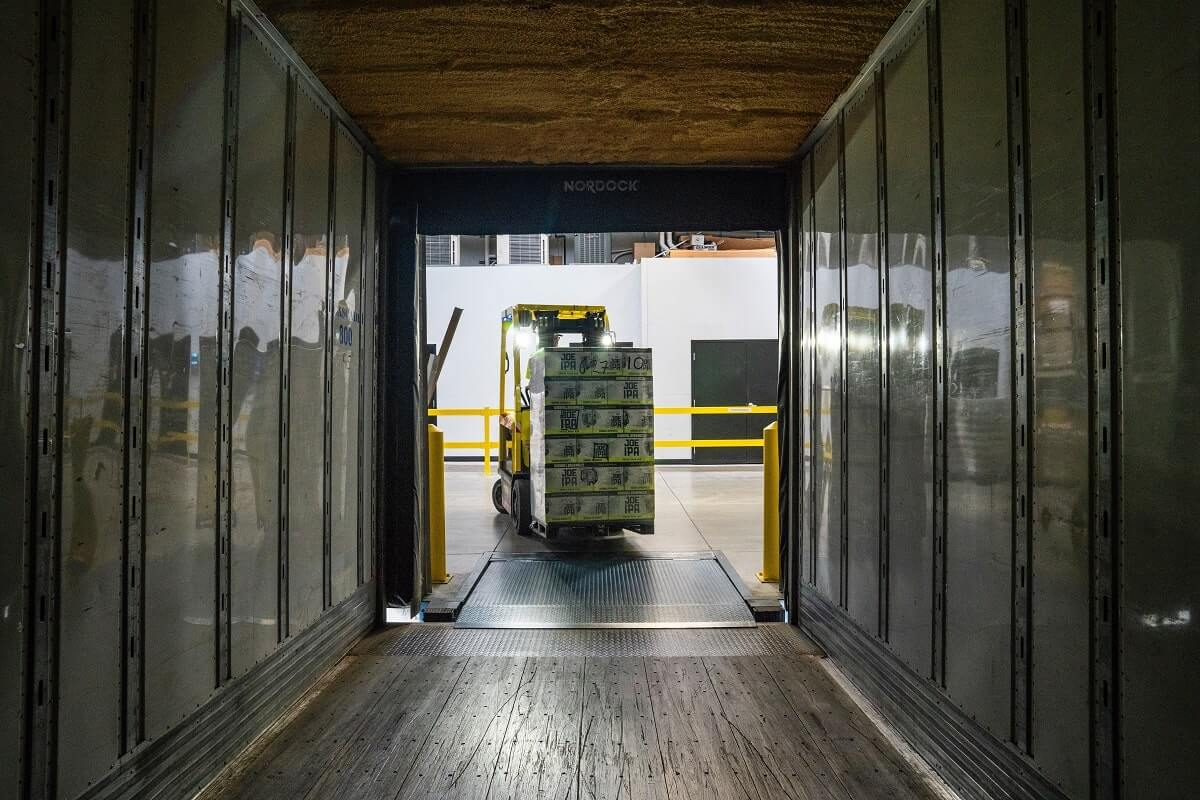 Why a Freight Broker Business Should Be Tech & Transparency Rich