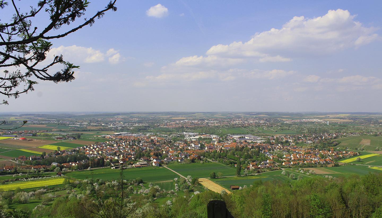 Blick vom Berg aus auf das lebenswerte Pfedelbach
