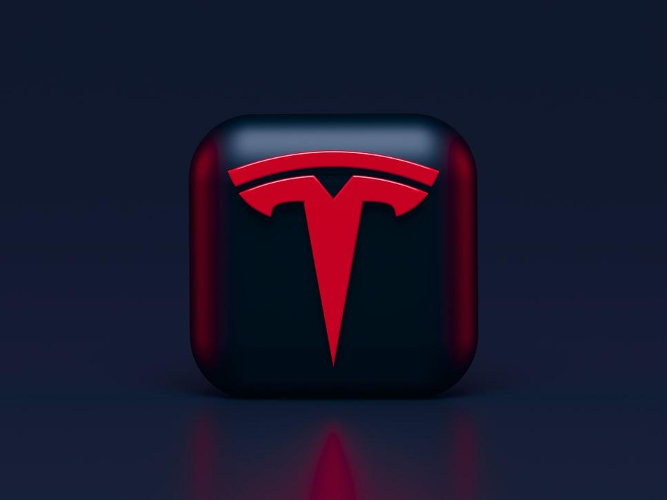 Elon Musk revoit ses positions : Tesla recommencera à accepter les paiements en Bitcoins (BTC)