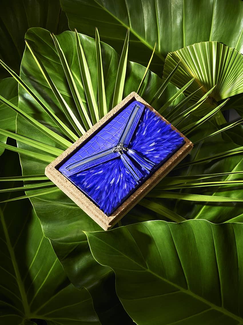 Pochette bleu haute couture Majorelle Ingrid Paris
