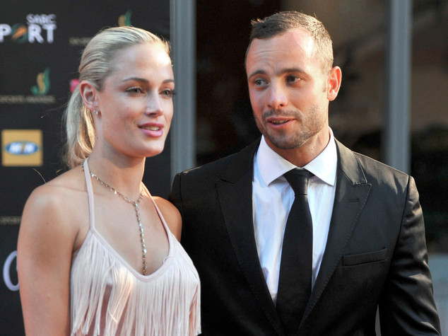 Foto dell'atleta Pistorius con l'ex moglie Reeva Steenkamp