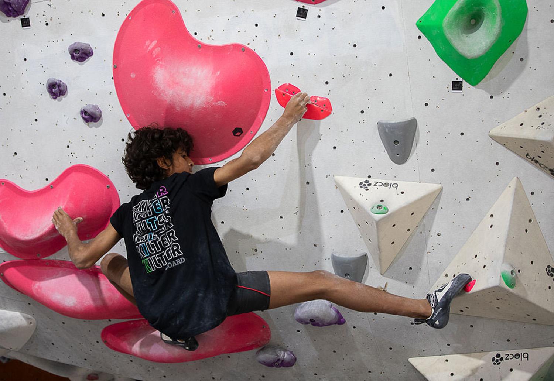 Easing back into rock climbing indoors: progressive overload & building a callus