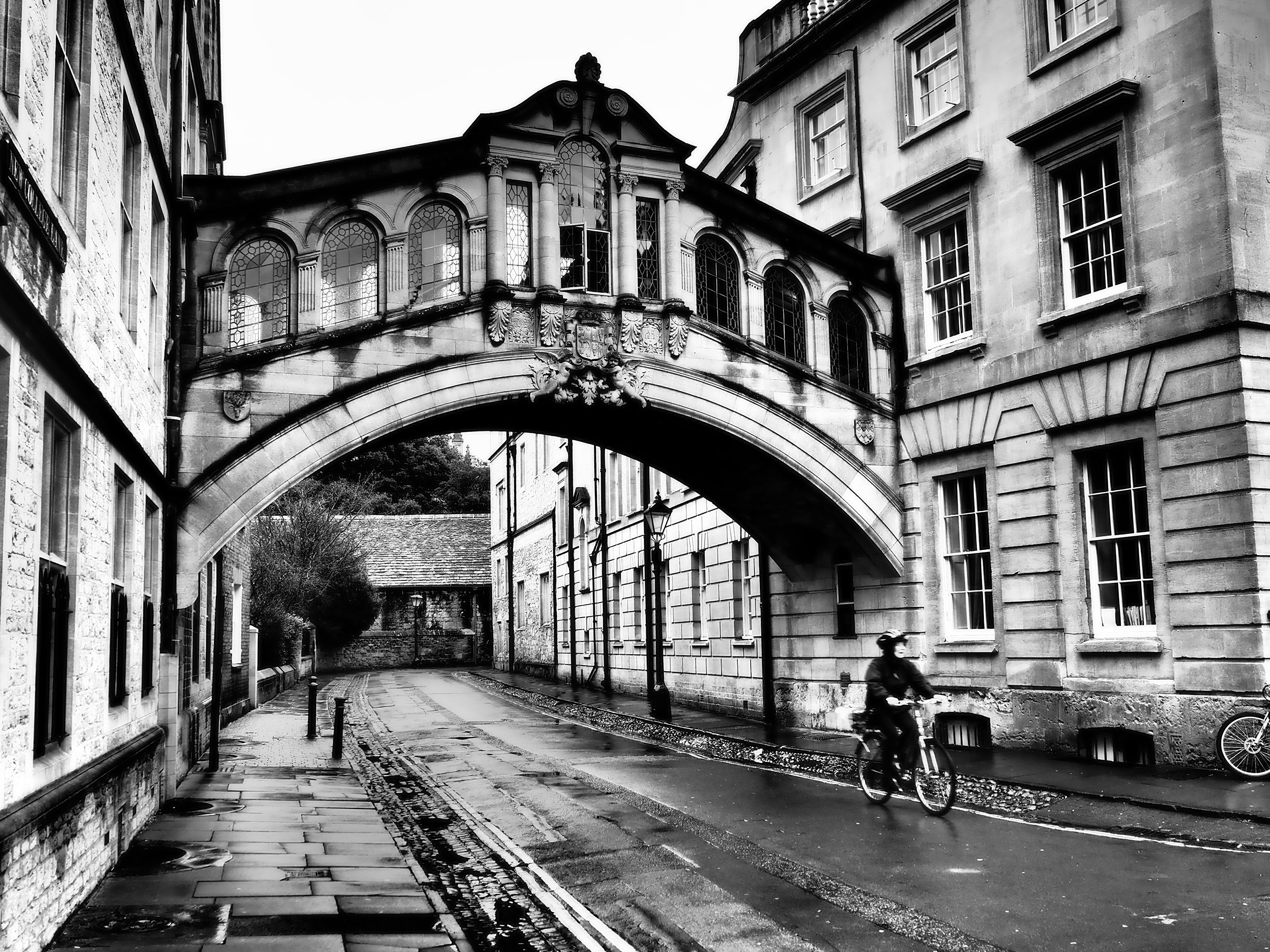 Black and White picture of the bridge of sighs Oxford