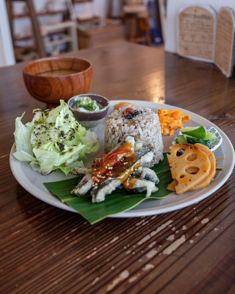 vegan-cafe-okinawa-imacoco-plate